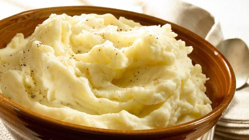 Super-Moist & Creamy Mashed Potatoes Recipe