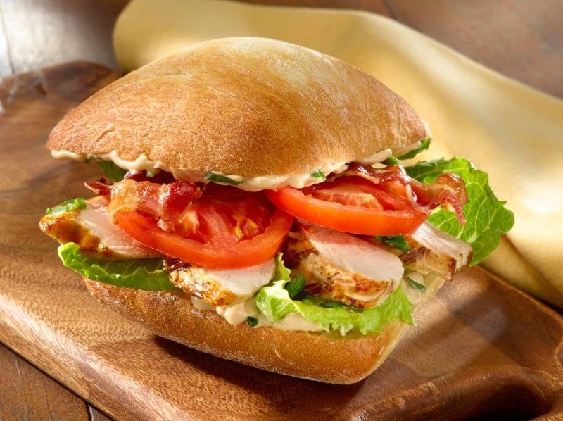 Hellmann's - Hühnchen Sandwich mit Bacon