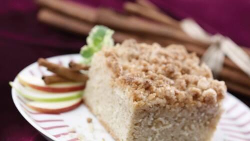 Pastel de manzana con especias y migas